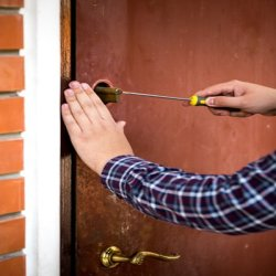 Chicago Neighborhood Locksmith Chicago, IL 312-809-3981